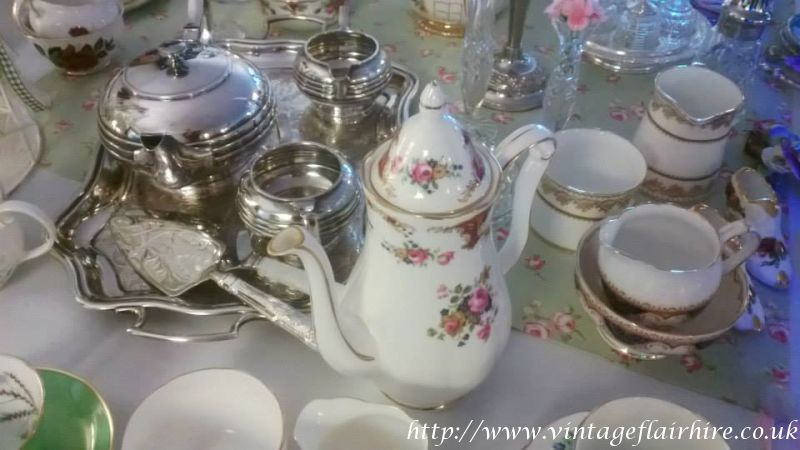 Fairways-hotel-wedding-fair-vintage-hire-30