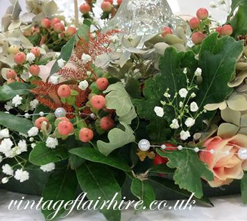 vintage-flair-hire-table-flowers